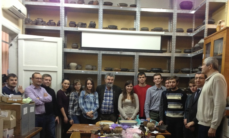 Myzgin Bursche with Kharkhiv students